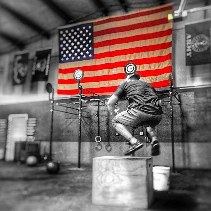 🇺🇸💪🏽 @joshwyma @type44crossfit #type44 #crossfittype44 #reebok #crossfit #fitness #boxjumps #america