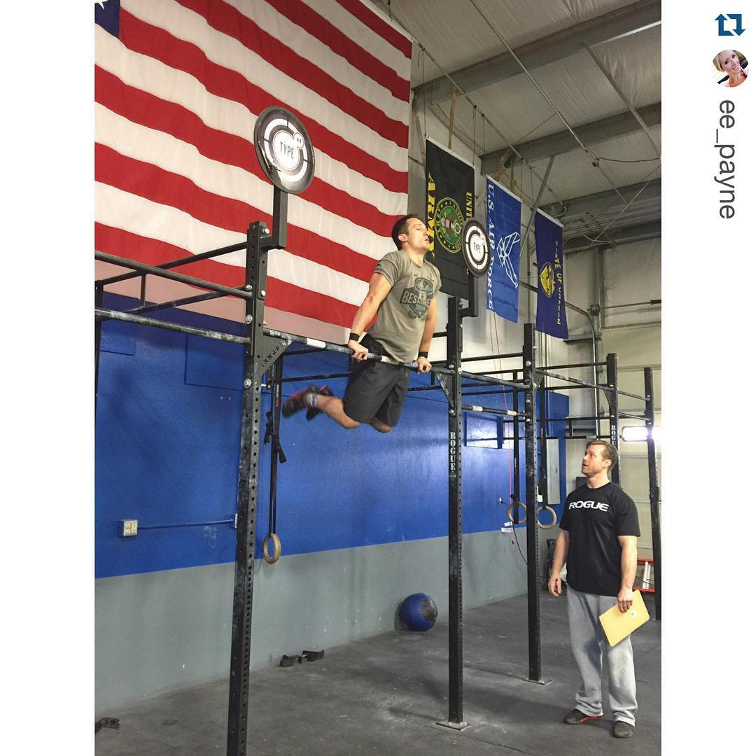 #repost @ee_payne  @seanrxd  making bar muscle-ups look effortless in16.3 || #ontothenextone #crossfitopen