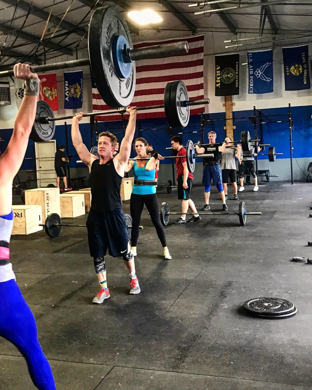 Noon getting pumped for the weekend! Still time to get in today to sweat! 💥💪🏽 • • • • #boomshockalocka #type44strong #type44 #inbend #centraloregon #reebok #fitfam