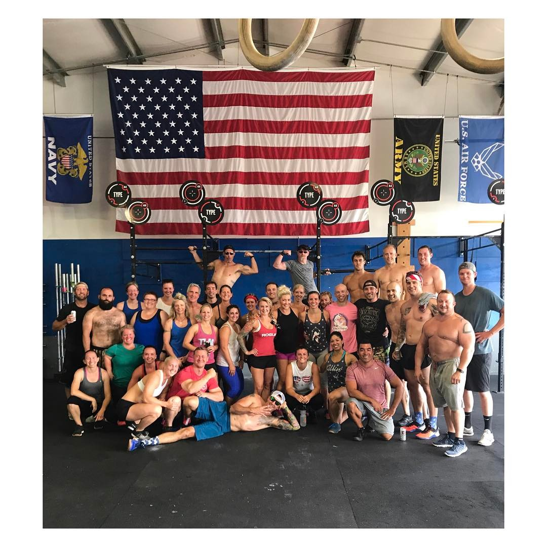 Thankful for freedom, friends, wod's, and 'Merica! 🇺🇸🇺🇸 . . . #type44 #america #4thofjuly #type44strong #crossfitgames #crossfit #boomshockalaka #rogue #roguefitness #inbend #localize #centraloregon #bendoregon #smashpack #sfh #rocktape #nourishmealprep #lululemon #lululemonbend @crossfitgames @crossfit