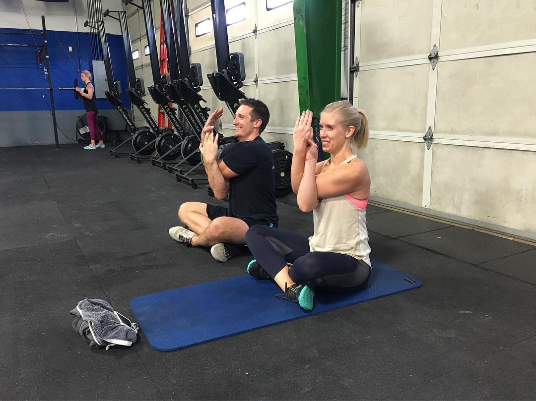 Because couples that #romwod together… stay #swoleandflexy 👫💪🏽 #crossfit #type44 #crossfittype44 #fitness #flexibility