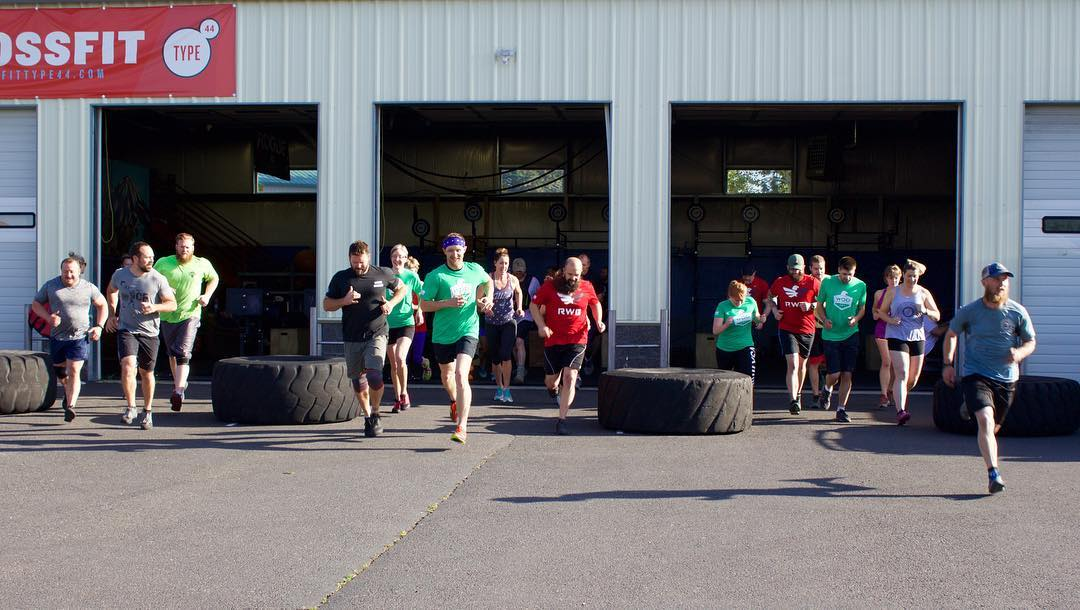 RWB's WOD with Warriors tribute to Memorial Day @type44crossfit today! #21guns #rwb #crossfit #bend #centraloregon #bendoregon #type44 #reebokcrossfit #reebok #teamrwb #eaglefire #veterans #wodwithwarriors2016
