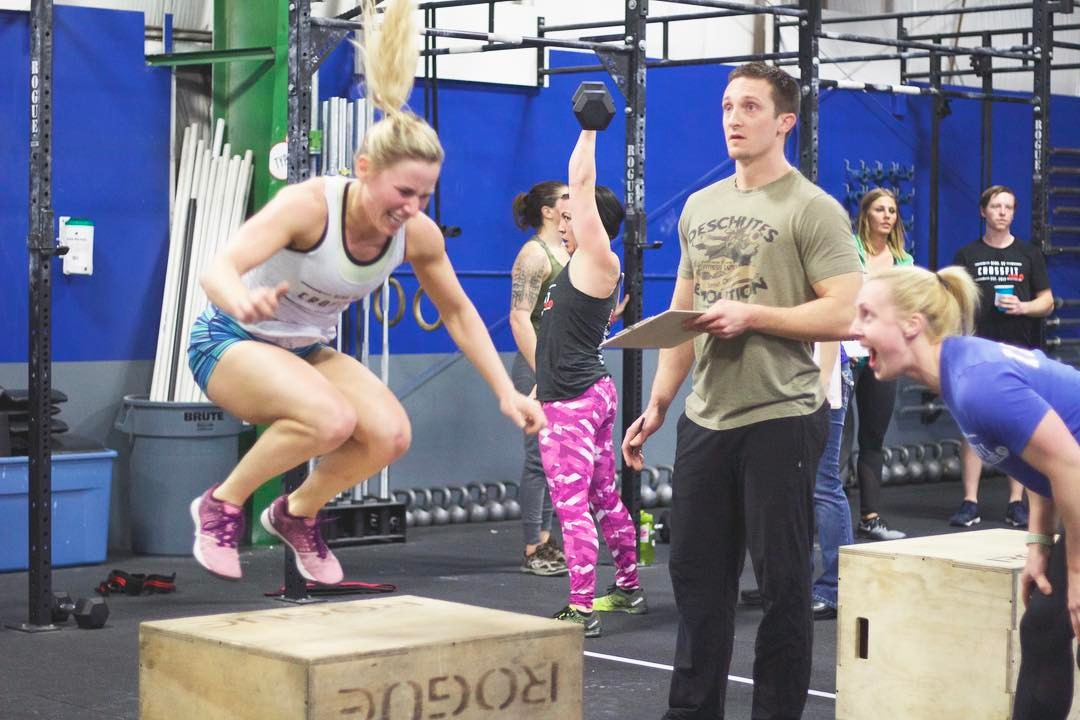 17.1 made us dig D E E P 🔥 . 📸: @trennamoody #downtothewire #everyrep #crossfitfam #ontothenextone #intheopen #type44 #type44strong #crossfit #reebok #fitaid #rogue #roguefitness #inbend #localize #centraloregon #boomshockalaka #fitness #training #wod #strength #nike #bendoregon #crossfitgames